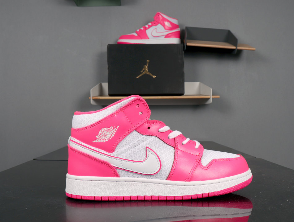 Air Jordan 1 MID Hyper Pink 555112-611