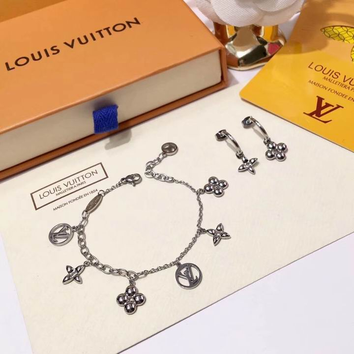 Wholesale Cheap Louis Vuitton Jewelry Set for Sale